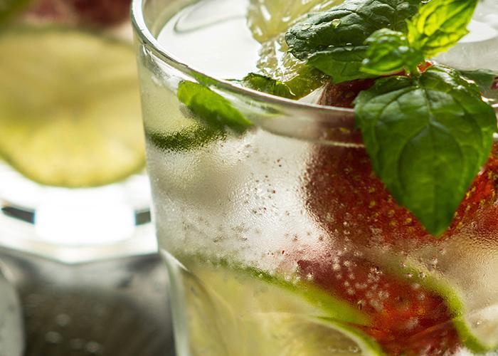 Strawberry Lemonade Mojito | The Cocktail Project