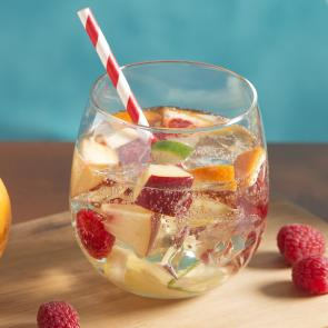 Peach Sangria | The Cocktail Porject