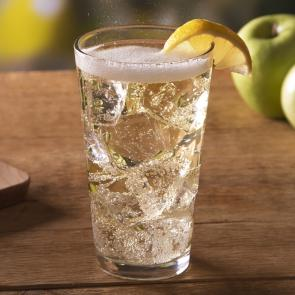 Jim Beam® Apple & Soda | The Cocktail Porject
