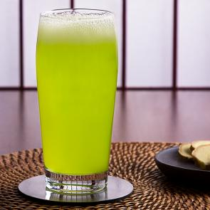 Midori® and Ginger Beer cocktail recipe