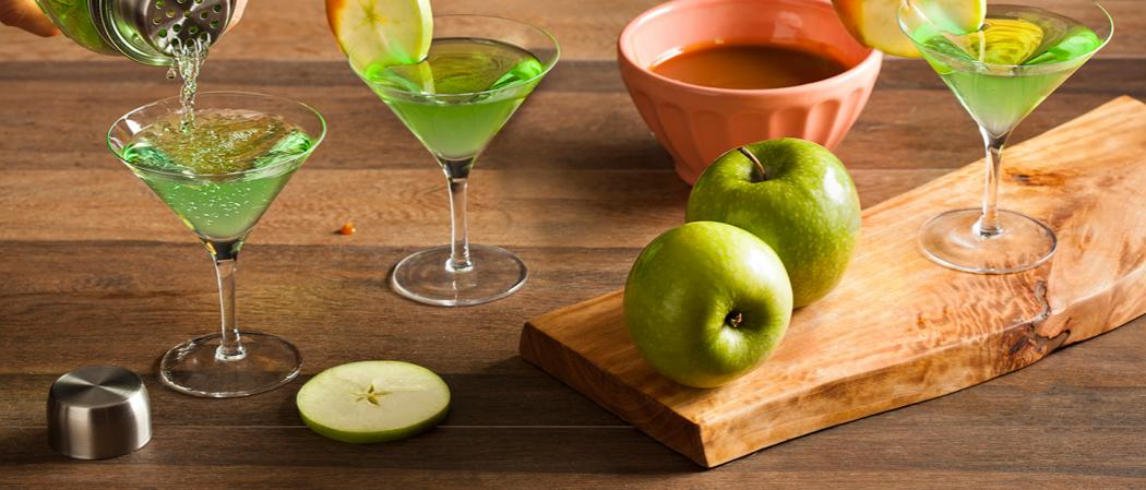 Caramel Apple Martini | The Cocktail Project