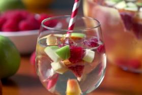 Play Video: How To Make A Peach Sangria