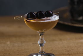 Play Video: How To Make A Bellini Manhattan