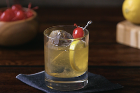 Play Video: How to Make a Maker's Mark® Sour