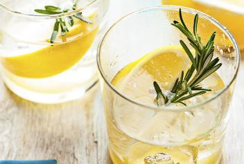 Tips and Tricks: Spice it up: Mixing Cocktails with Herbs & Spices