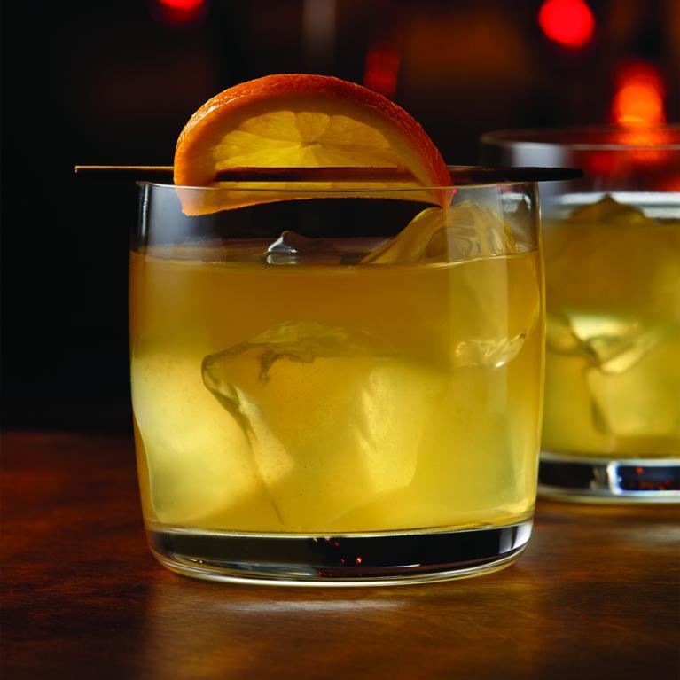 Cruzan® Single Barrel on the Rocks | The Cocktail Project