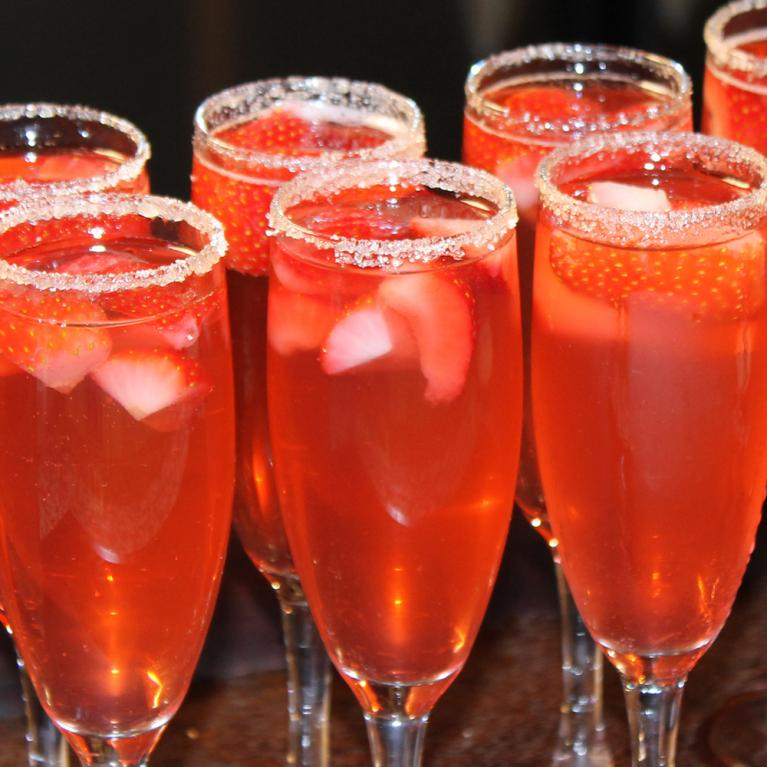 Strawberry Sparkler | The Cocktail Project
